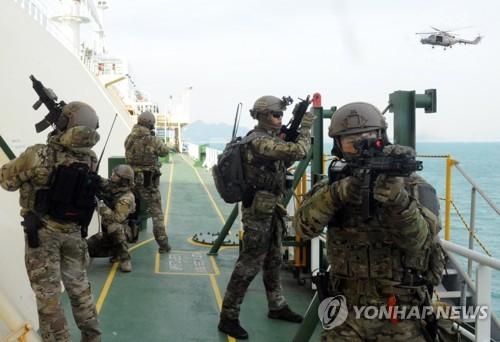 청해부대 26진 해적 진압훈련