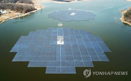 수상 태양광 발전시설  기사와 관련없음 .[연합뉴스 자료사진]