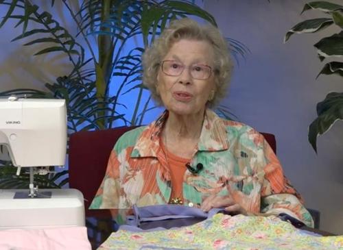 美99세 할머니 '사랑의 바느질'…이웃나라 고아들에 원피스 선물