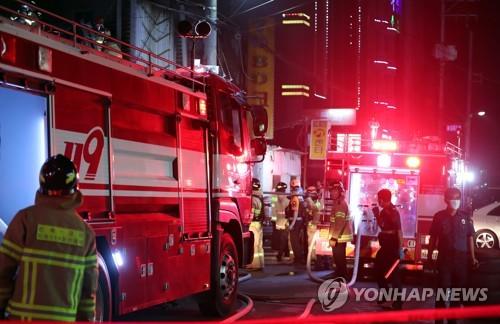 군산 화재현장서 '빛난 시민의식'…더 큰 피해 막았다 (종합2보)