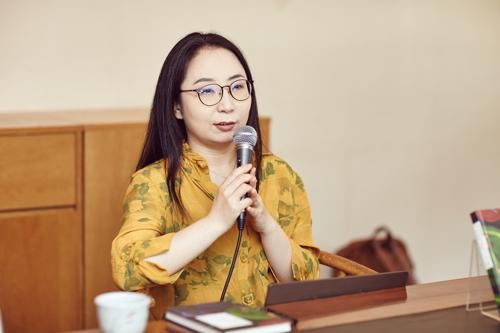 """소설가 구병모 """"돌봄노동, 공동체라고 나을까요?"""""""