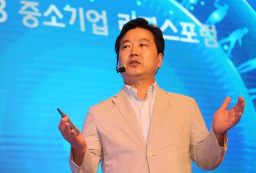 """홍종학 """"상생혁신 생태계 기여하는 대기업 지원""""(종합2보)"""