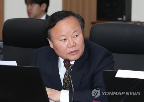 """검사 출신 김재원 의원 """"음주뺑소니 잘 봐주라 검찰에 전화"""""""