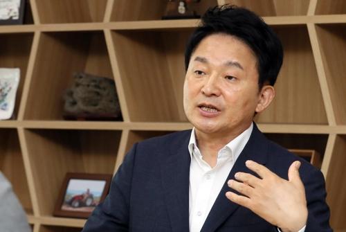"""[인터뷰] 원희룡 """"현 당적 '제주도민당'…정계 개편 역할 않는 게 역할.."""