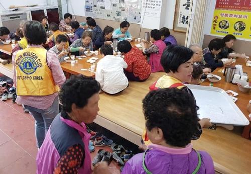 """""""23일은 짜장 파티 날""""…13년째 어르신 대접하는 중화요리집"""