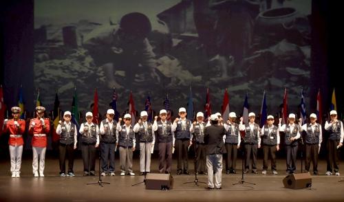 참전용사 합창…인천시 6·25 68주년 기념식 감동