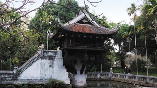 한 개의 기둥 위에 불당을 얹은 '한 기둥 사원'.