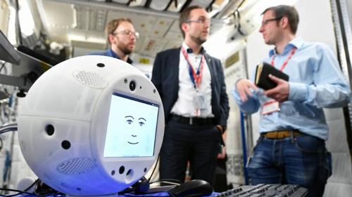 ISS 승무원 도우미 역할을 할 인공지능 로봇 사이먼