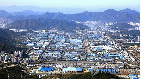 제조업체가 몰려 있는 경남 창원국가산업단지 전경. [연합뉴스 자료사진]