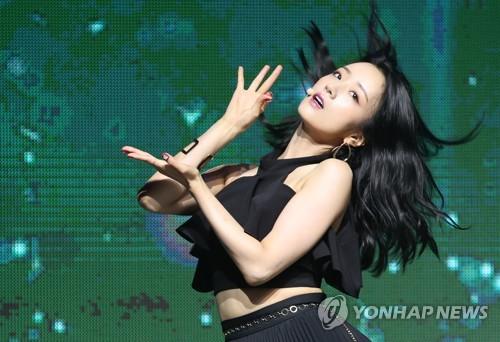 윤보미의 멋진 춤선