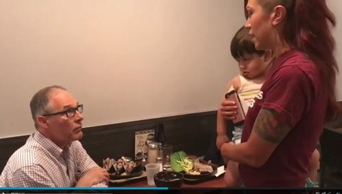 美환경청장도 레스토랑 봉변…아이 안은 여성이 면전서 사퇴요구