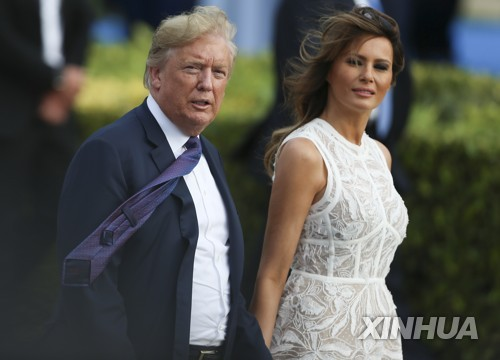 벨기에 브뤼셀을 찾은 도널드 트럼프 미국 대통령 부부 [신화=연합뉴스]