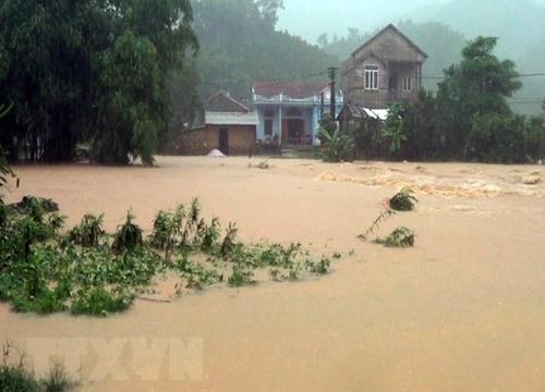 태풍 휩쓴 베트남서 폭우로 최소 22명 사망·실종