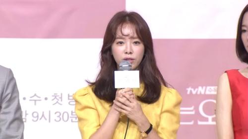 """[영상] '아는 와이프' 한지민 """"분노조절장애 연기 재밌었어요"""""""