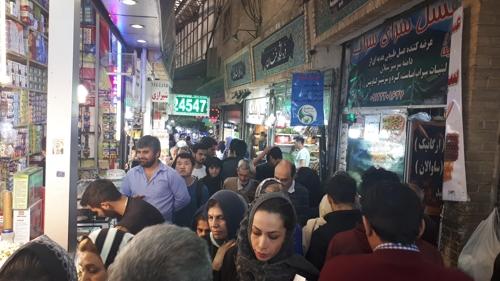 [르포] 美 제재 하루 앞 '폭염에도 얼어붙은' 테헤란