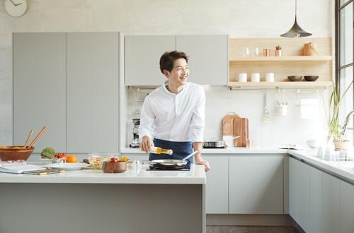현대리바트, '리바트 키친' 전 제품에 프리미엄 원자재 적용