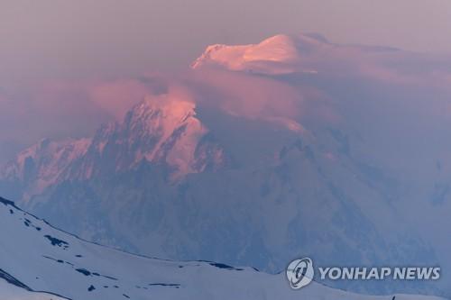 몽블랑 등반 중 실종된 이탈리아 산악인 3명 숨진채 발견