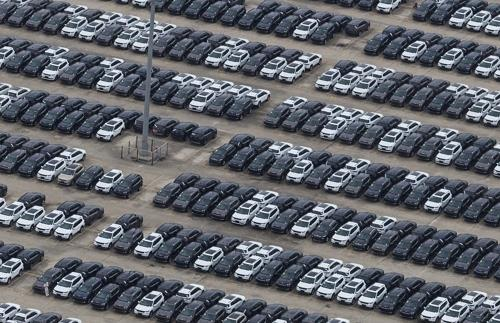 중국 공장에서 생산된 자동차들 [EPA=연합뉴스]