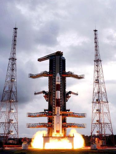 인도, 내년 1월 두번째 달 탐사…우주왕복선 개발도 박차