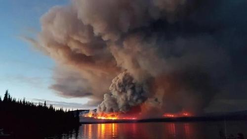 캐나다 BC주 북부의 산불 현장 [CBC 홈페이지]
