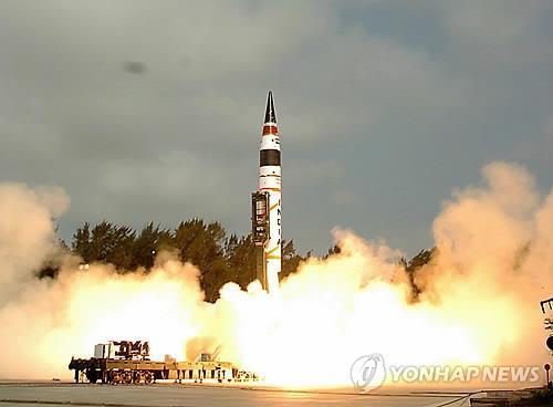 """""""인도, 베이징·유럽까지 사정권 '아그니-5' 연내 배치"""""""
