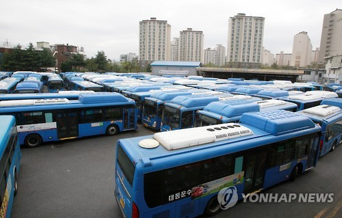 2015년 9월 시내버스 차고지[연합뉴스 자료사진]