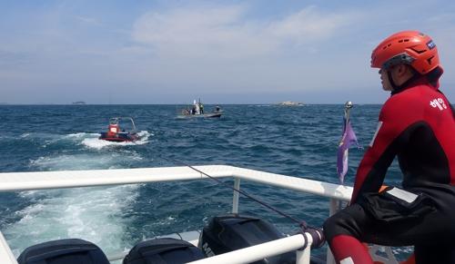 레저 보트 운항하던 40대 해상 추락…낚시 어선에 구조