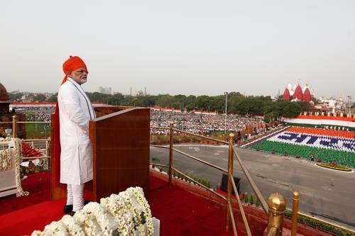 인도 세계최대 의료프로그램 성공할까…기대·우려 '팽팽'