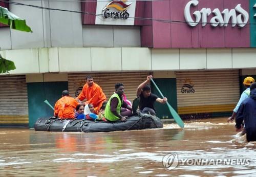 인도 남부 '100년 만의 홍수'로 164명 사망(종합)
