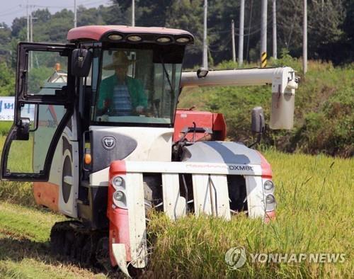 농식품부, 내달까지 전국 농기계 순회 수리봉사