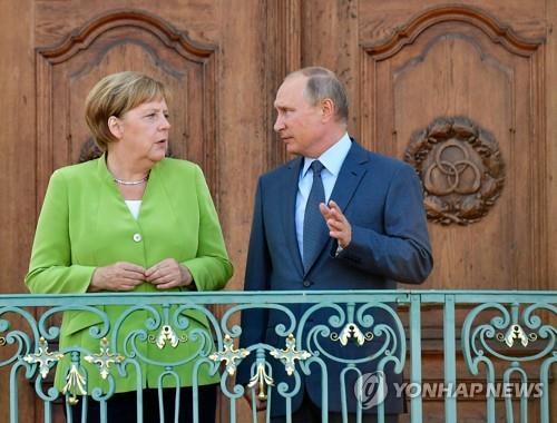 방독 푸틴, 메르켈과 정상회담…시리아·우크라 문제 등 논의