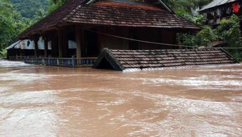 베트남 북중부서 폭우로 최소 10명 사망·실종