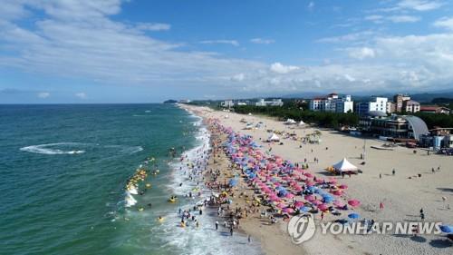 강원 동해안 93개 해수욕장 폐장…방문객 작년보다 17% 줄어(종합)