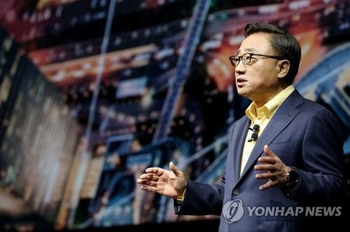 삼성 1위 굳힌다…고동진 사장, 인도 전략폰 행사 첫 참석