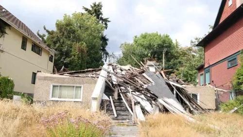 고가 매물로 나온 밴쿠버 폐허 주택 [CBC 홈페이지]