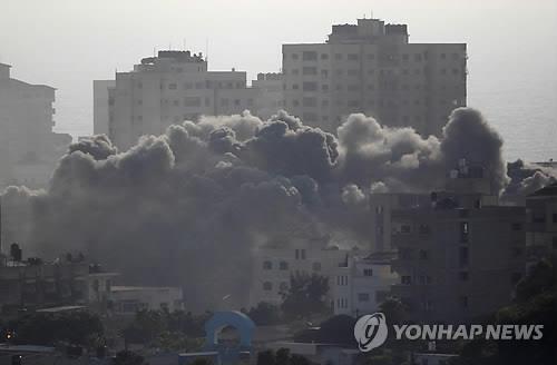 이스라엘군의 가자지구 공습 [로이터=연합뉴스 자료사진]