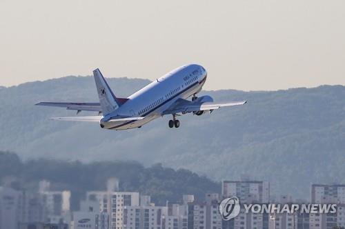 대북특사단 탑승 항공기 평양 향해 출발