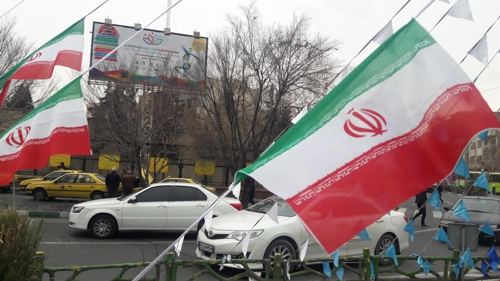 테헤란 시내의 이란 국기[연합뉴스자료사진]