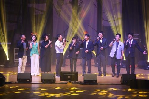2016년 한전아트센터에서 서초컬처클럽이 문화소외계층을 위해 무료 공연하는 모습