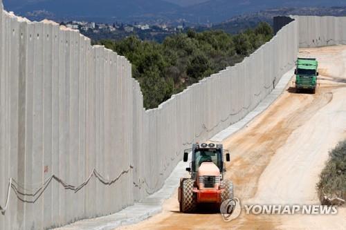 이스라엘군, 레바논 국경지역에 콘크리트 장벽 건설