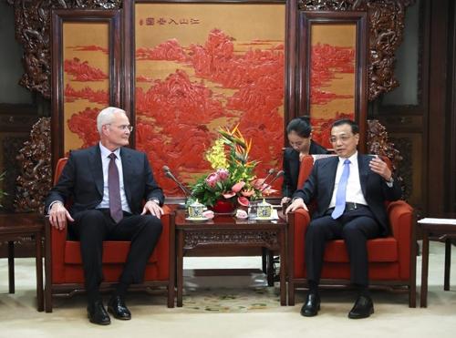 데런 모빌 엑손모빌 CEO를 면담한 리커창 총리(오른쪽) [중국 정부망]