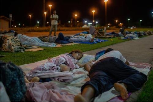 노숙생활을 하는 베네수엘라 난민들