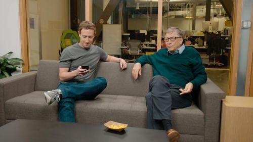 저커버그(왼쪽)와 빌 게이츠 [유튜브 캡처]