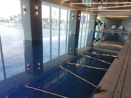 호텔마리나베이서울의 실내수영장