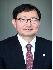 추무진 한국국제보건의료재단 신임 이사장.
