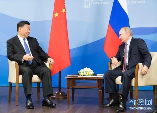회담하는 시진핑과 푸틴