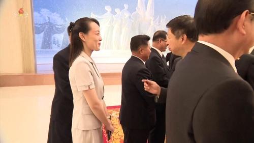 구면인 북한 김여정과 중국 쑹타오, 반가운 인사