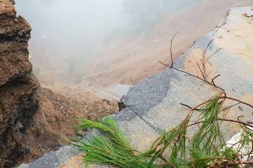 태풍 망쿳 영향으로 발생한 산사태 현장[ABS-CBN 홈페이지 캡처=연합뉴스]