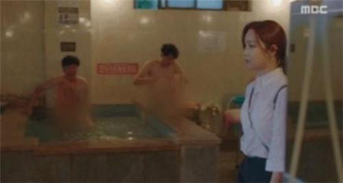 """'숨바꼭질' 제작진 """"불쾌감 준 목욕탕 장면 사과"""""""