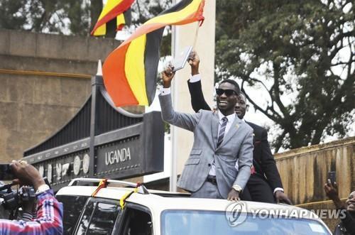 아프리카 정치에 새바람…고령 지도자에 도전하는 '영파워'